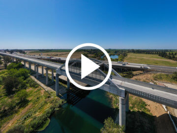San Joaquin River Viaduct click to play video in new window.